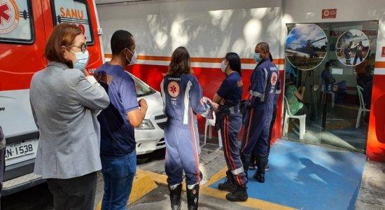 Profissionais da linha de frente do Samu começam a ser imunizados contra covid-19 no Recife