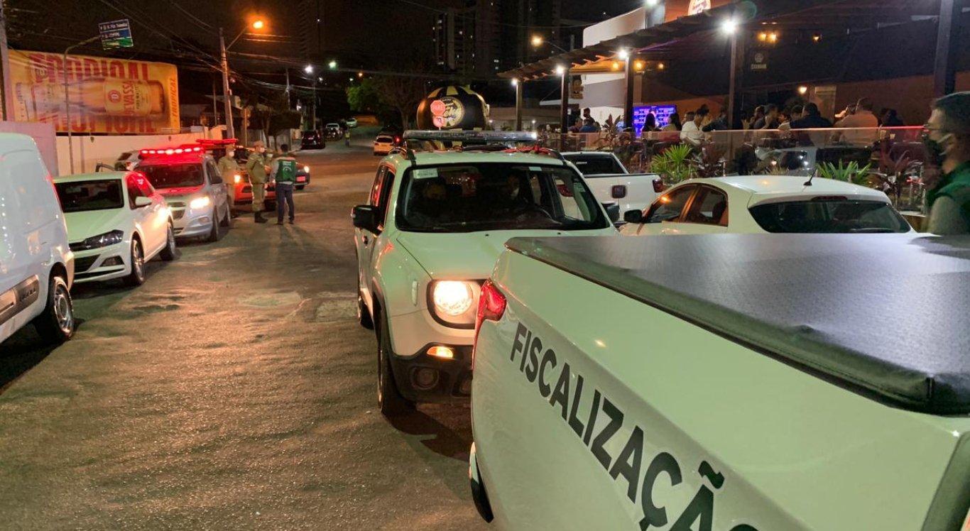 Grupo de Fiscalização Integrada Covid-19 segue com ações em bares e restaurantes, em Caruaru