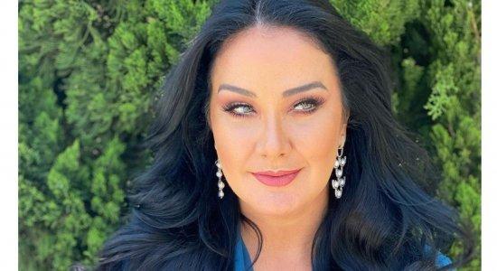 Em vídeo, Helen Ganzarolli exibe corpão em look todo azul e esquenta a web