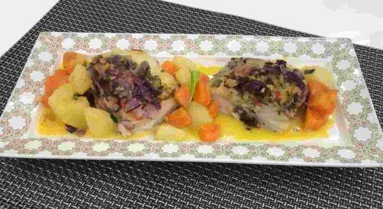 Sextou com receita de Bacalhau ao Vinho Branco do chef Rivandro França