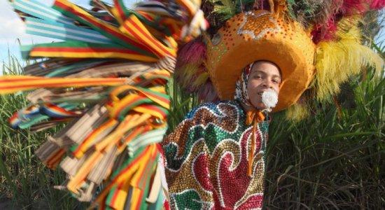 RioMar recebe exposição sobre maracatu rural