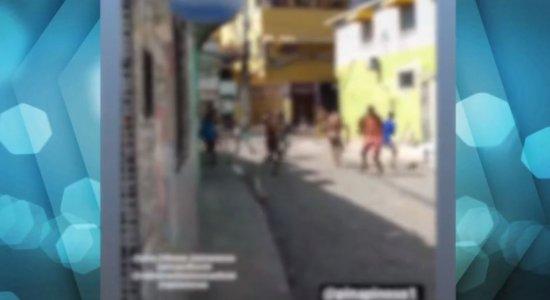 Vídeo: 'Guerra do ovo' assusta moradores no Pina; idoso é espancado