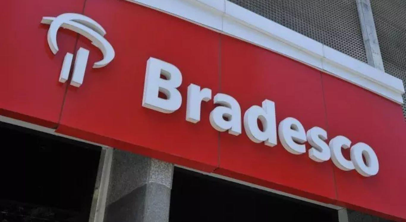 Bradesco adotou fechou agências e demitiu funcionários para cortar custos