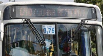 Com o aumento das passagens de ônibus, o valor da tarifa A passam de R$ 3,45 para R$ 3,75