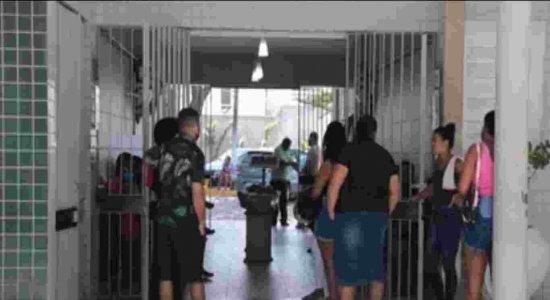 Corpo de idosa que morreu após ser atingida por parte de fachada de prédio é enterrado no Recife