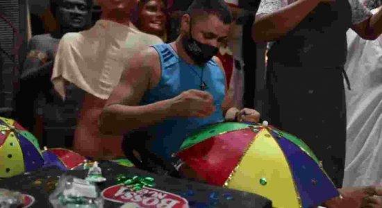 Sem carnaval, população aposta em decoração para a casa; Artistas plásticos comemoram encomendas