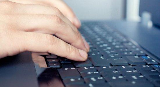 Lei que dá acesso gratuito de estudantes à internet vai à sanção