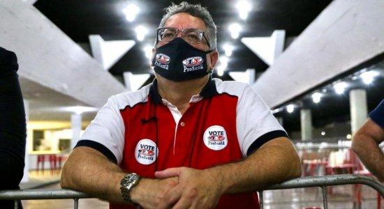 Joaquim Bezerra derrota situação e se torna o segundo presidente da oposição a comandar o Santa Cruz