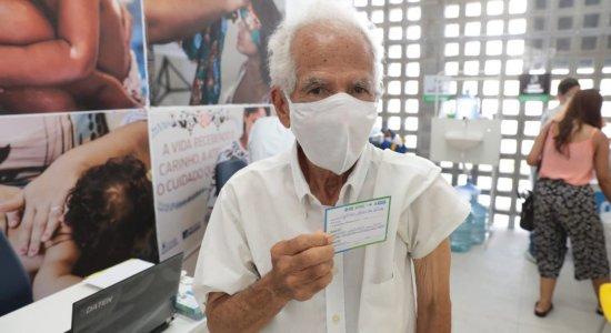 Covid-19: Começa a vacinação de idosos a partir de 80 anos no Recife