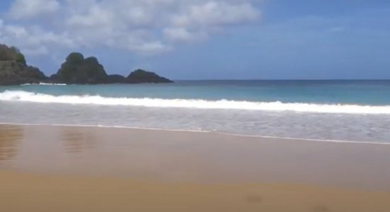 Conheça a praia do Sancho, eleita a mais bonita do mundo