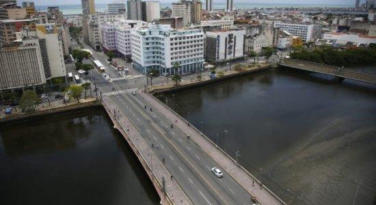 Fotos: Sem Galo da Madrugada, saudade preenche ruas do centro do Recife no Sábado de Zé Pereira