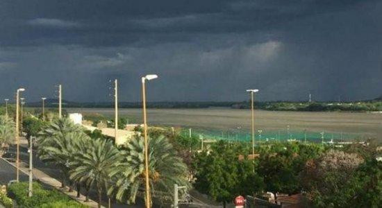 Previsão do tempo: Alerta da Apac para chuva moderada a forte em parte de Pernambuco