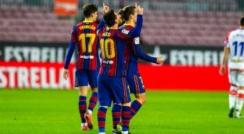 Barcelona recebe o PSG, no Camp Nou, pelas oitavas de final da Liga dos Campeões