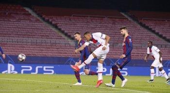 Mbappé marcou três gols na vitória do PSG diante do Barcelona
