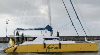 Cinco pessoas foram presas com o veleiro carregado de cocaína