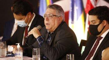 Joaquim Bezerra, novo presidente do Santa Cruz, tomou posse nesta quinta-feira (18)