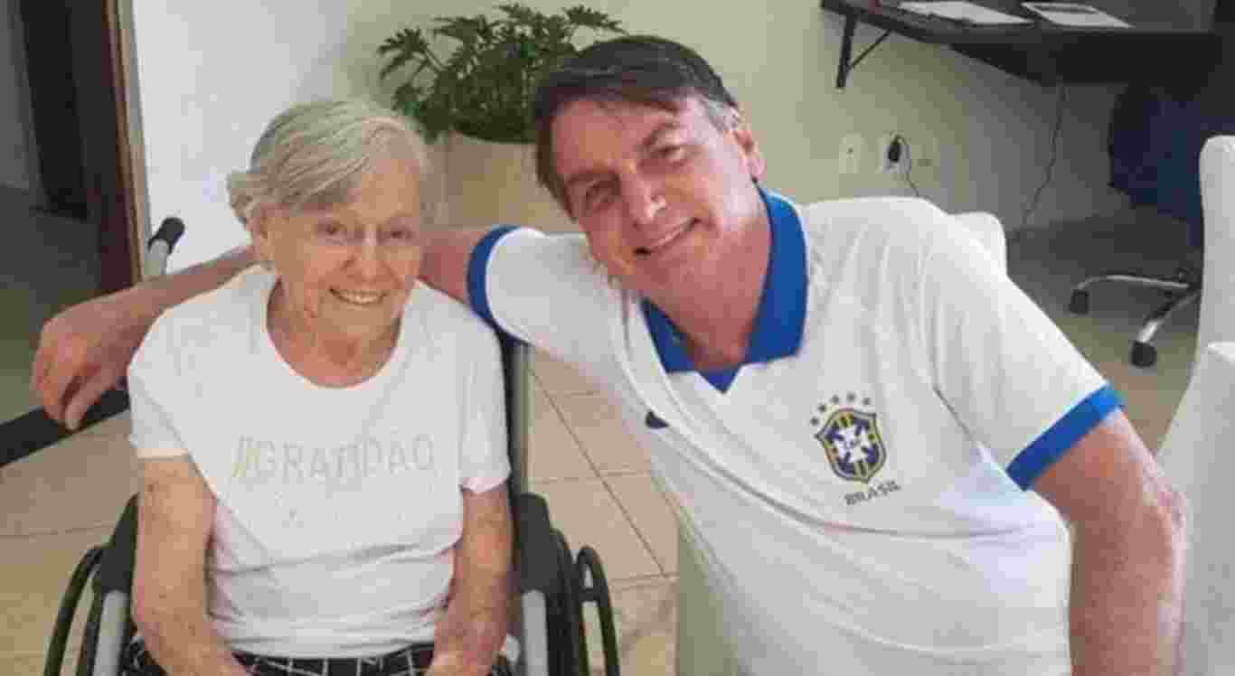 Bolsonaro diz que sua mãe recebeu vacina da AstraZeneca/Oxford