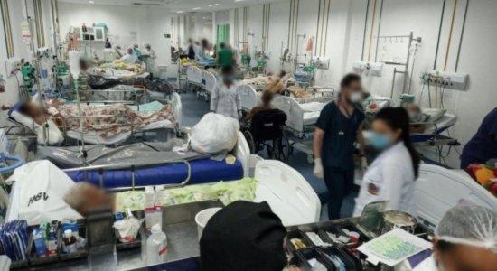 Foto mostra emergência do Hospital Getúlio Vargas lotada, no Recife