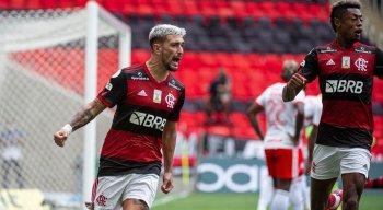 Arrascaeta marcou um dos gols da vitória do Flamengo em cima do Internacional
