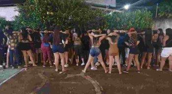 A festa foi interrompida pela PM