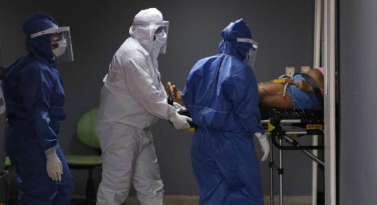 Brasil registra aumento de 11% em mortes por covid-19 em uma semana