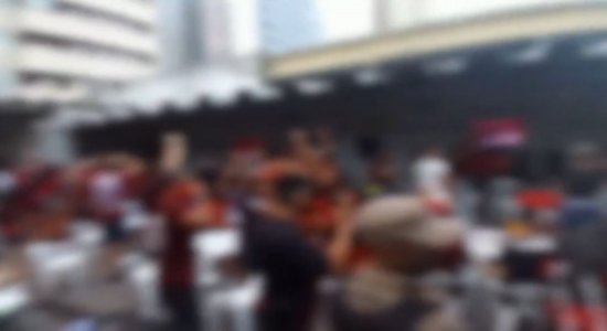 Bar que transmitia jogo é interditado por promover aglomeração em Boa Viagem