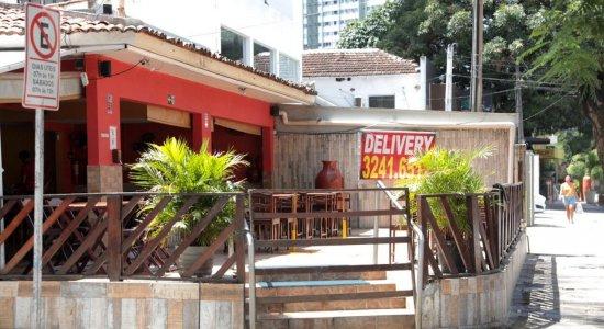 Vídeo: Restaurante é assaltado pela terceira vez seguida na Zona Norte do Recife