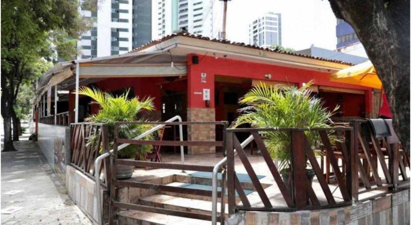 Três assaltos seguidos são registrados em restaurante da Zona Norte do Recife