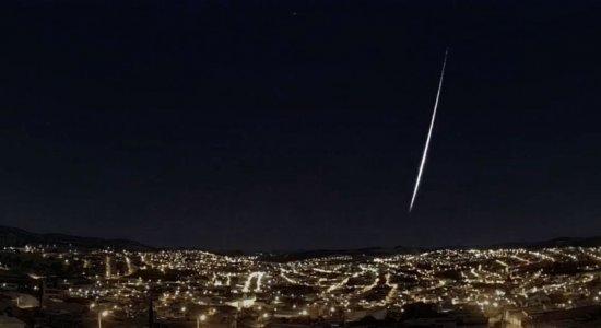 Meteoro cruza o céu de três estados do Brasil; veja vídeo