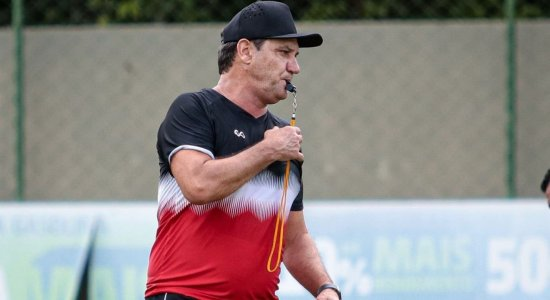 João Brigatti fala em superação para Santa Cruz avançar de fase na Copa do Brasil