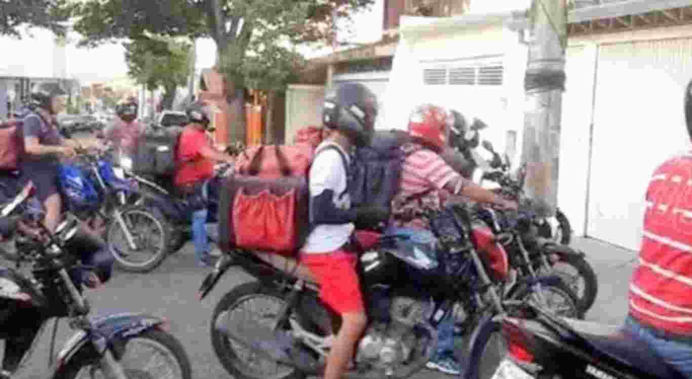 Os motoboys depredaram a casa do morador