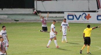 Pipico abriu o placar na vitória do Santa Cruz diante do Vitória de Santo Antão