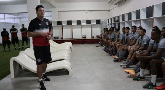 Após avaliar atletas da base diante do Altos, técnico do Santa Cruz confirma volta dos titulares no Estadual e na Copa do Brasil