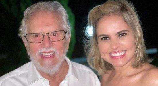 Carlos Alberto de Nóbrega e sua esposa, Renata Domingues estão internados com Covid-19