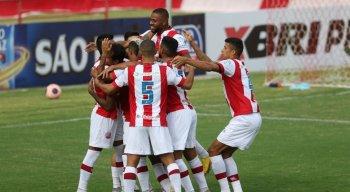 Náutico goleou a equipe do Central, pela primeira rodada do Pernambucano