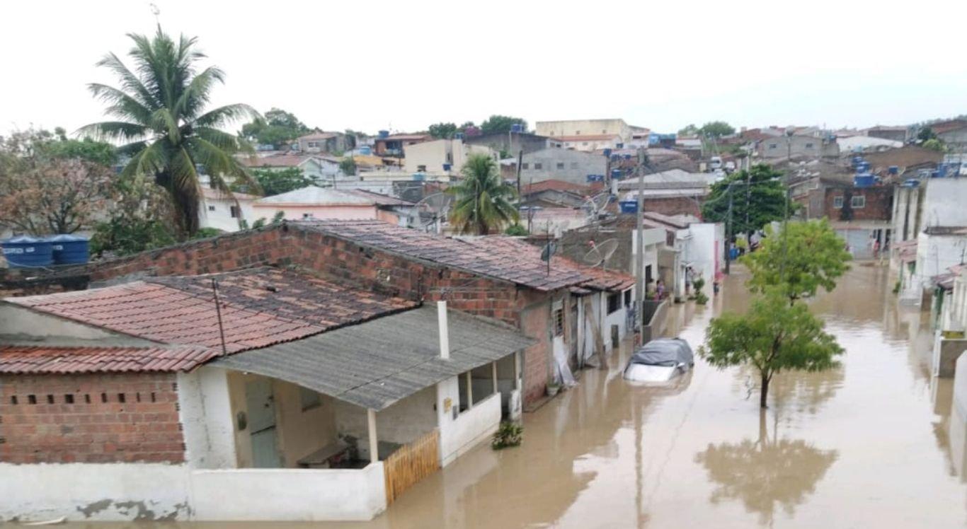 Chuvas fortes foram registradas em Sanharó no sábado (27)