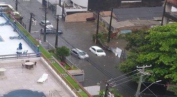 Rua Teles Júnior, nos Aflitos