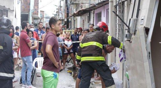 Explosão de gás deixa feridos e atinge 6 casas no bairro de Santo Amaro