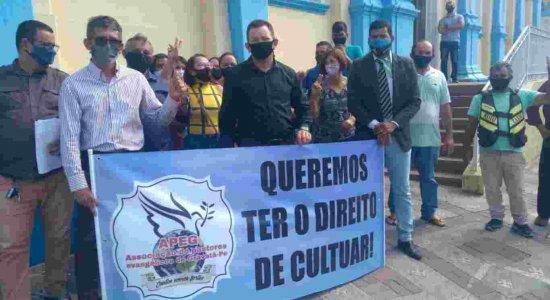 Pastores evangélicos fazem protesto para retorno de cultos no fim de semana no Agreste