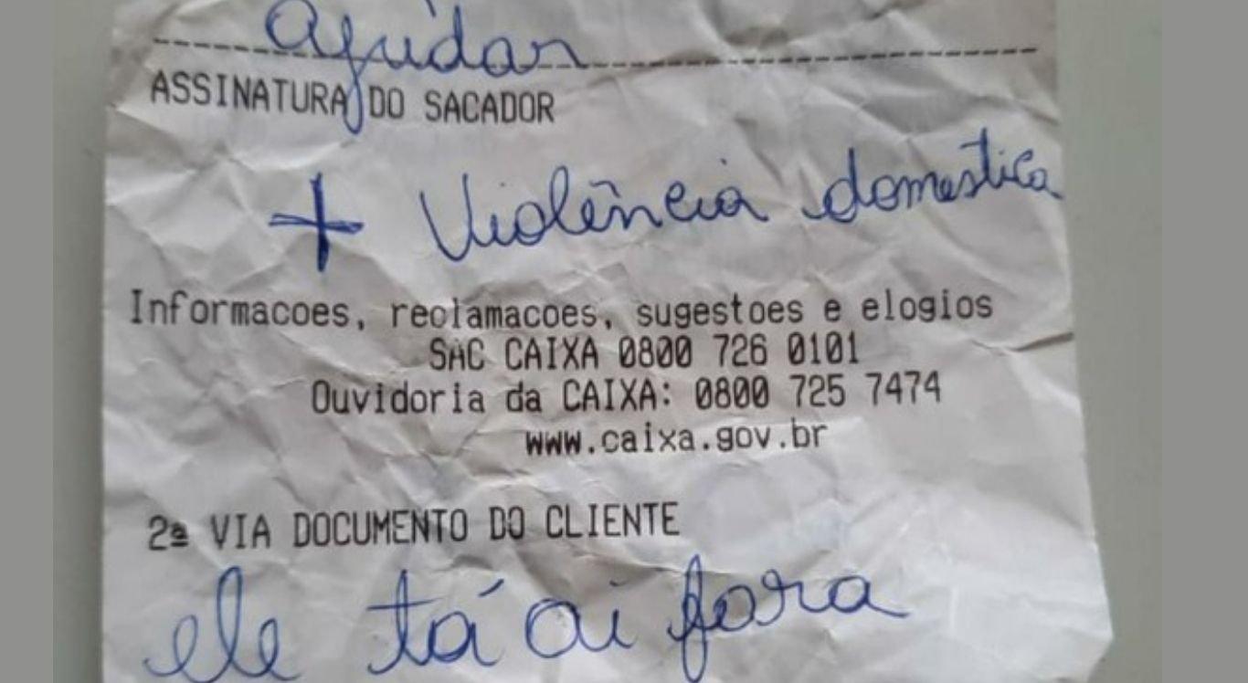 Mulher escreveu bilhete para pedir socorro dentro do banco