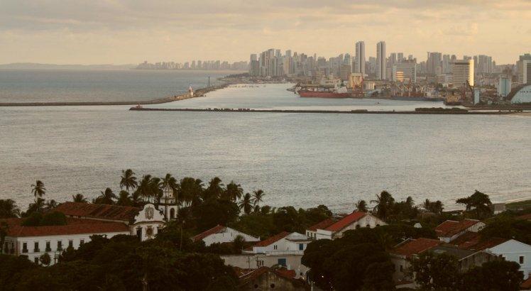 Uma das mais tradicionais vistas do Sítio Histórico de Olinda: o Recife