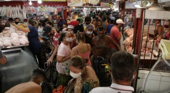 No mercado de Afogados, nenhum distanciamento social