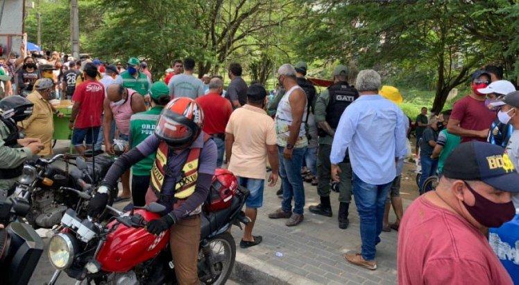 Muita aglomeração na Feira do Troca, em Caruaru