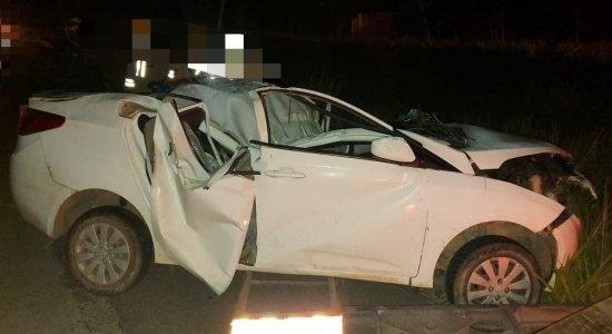 Pai e filho de apenas 4 anos morrem em acidente na BR-232, em Moreno
