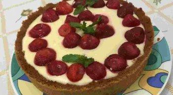 Receita de Torta de Morango do chef Rivandro França