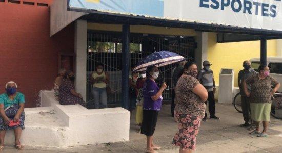 Prefeitura de Paulista suspende vacinação de repente e idosos com mais de 75 anos voltam para casa sem receber imunizante