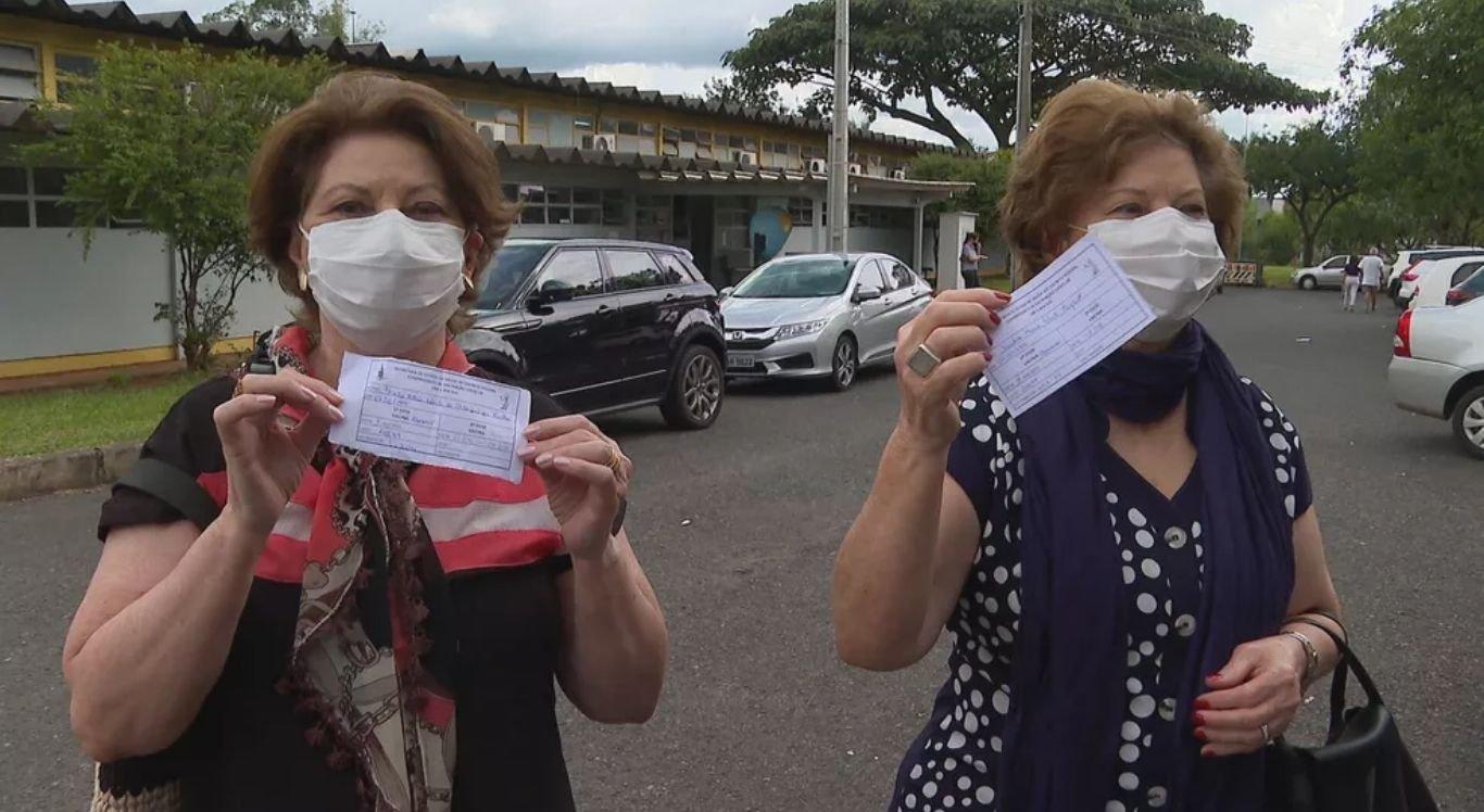 Sandra e Sheila ficaram separadas por 300 dias por causa da pandemia.
