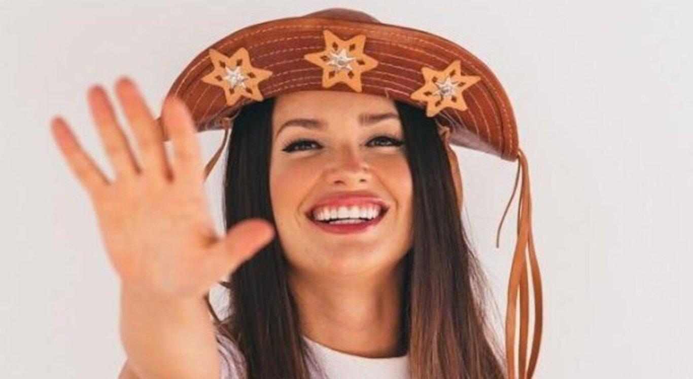 Juliette ganhou homenagem de cantor de Campina Grande