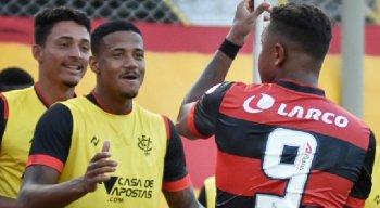 Com gol de Samuel, Vitória levou a melhor no clássico contra o Bahia
