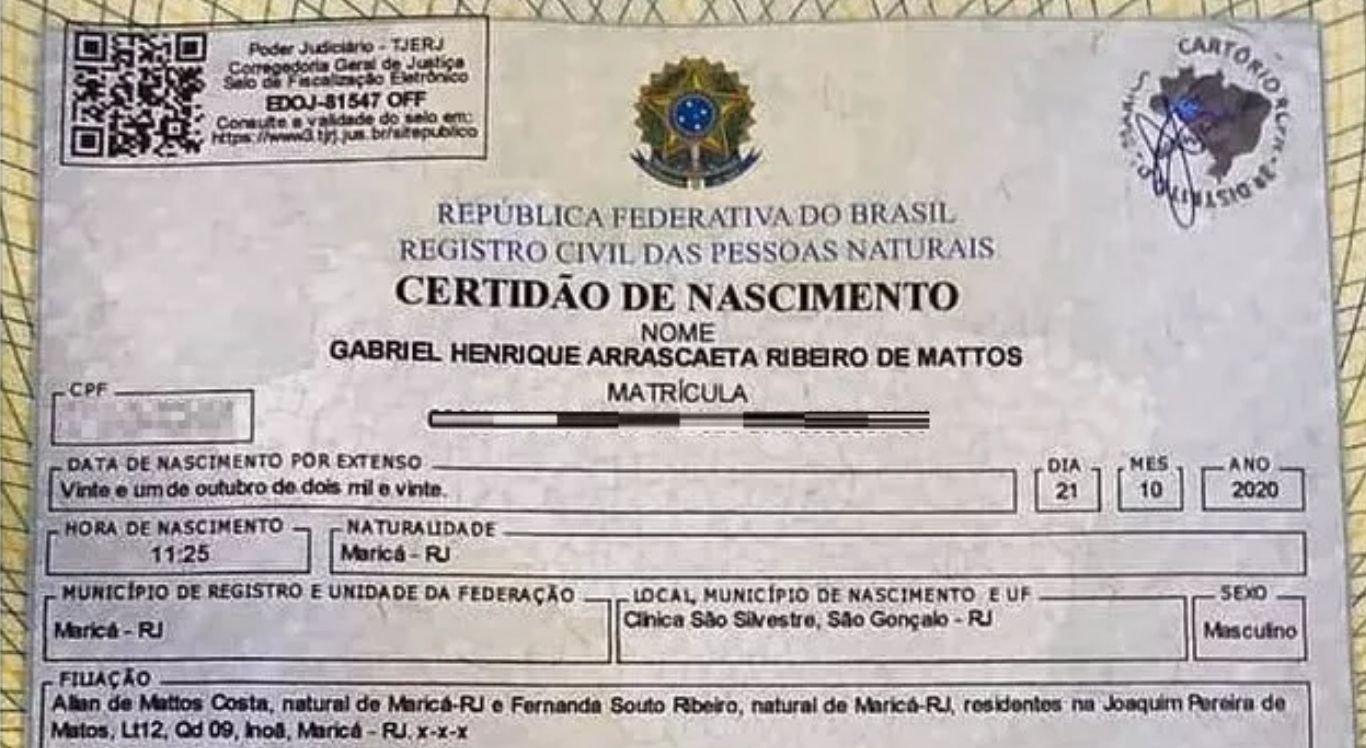 Bebê foi batizado de Gabriel Henrique Arrascaeta Ribeiro de Mattos.